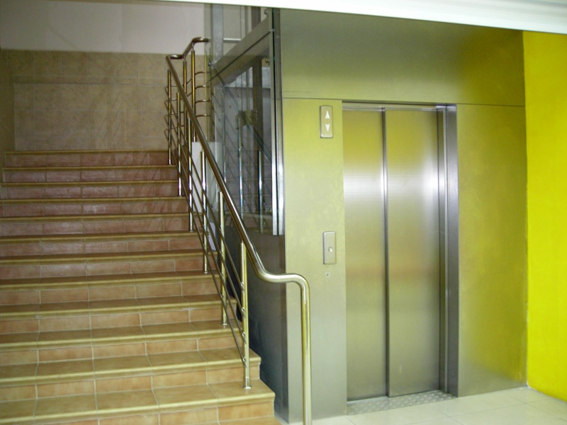 картинки в подъездах и лифтах такая